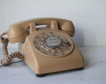 Vintage Cream Rotary Phone