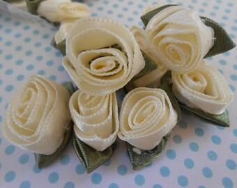 Roses Satin Ivory 10pcs