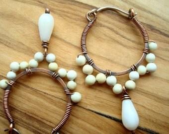 Small Hoop Earrings - White Earrings - Beaded Hoop Earrings - Copper Earrings - White Jewellery - Boho Earrings - Wire wrapped earrings