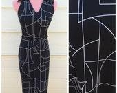 SALE - Black and white geo shape sleeveless print 90s office dress size medium