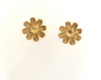 Gold plated flower clip on earrings: 2552