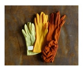 SALE / vintage 1960s yellow and orange glove collection