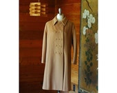 SALE / vintage 1970s wool coat / 70s tan double breasted coat / size large