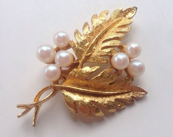 Gold toned leaf & Pearlized bead clusters Vintage Brooch