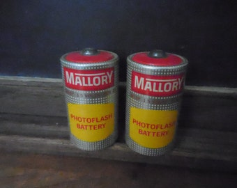 Vintage 1950's Mallory PhotoFlash Batteries M13 1.5 volts