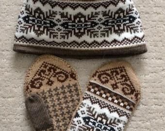 NORWEGIAN Scandinavian Hand Crafted 100% wool HAT and MITTENS set, M / L, folk art, snowflake