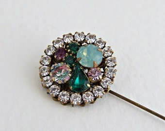 Green and Purple Cluster Brooch .. vintage glass brooch, green brooch, crystal brooch, green lapel pin, vintage glass jewel pin