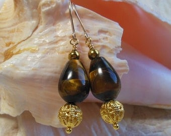 Tiger eye and gold earrings, brown and gold, teardrop shaped tiger eye with golden filigree, 14 karat gold filled wire, hypoallergenic wires