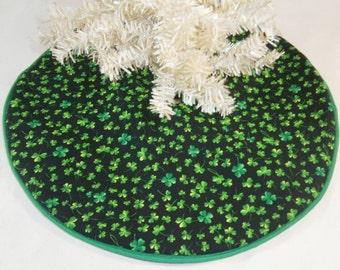 "St. Patrick's Day Mini Tree Skirt - 14"" ~ Black With Green Shamrocks"