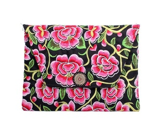 Pink Blossom Clutch With Embroidered Pattern Fabric (BG306DW-85C8)