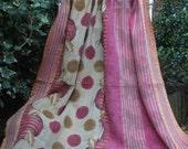 Pink kantha quilt,Kantha throw,Sari blanket,Indian throw,Pink Sari throw, Boho throw