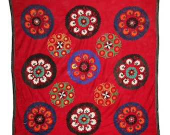 Suzani Wall Hanging, Handmade Vintage Suzani NL1386, Uzbek Suzani, Suzani Blanket, Suzani Tapestry, Suzani Bedding, Wall Art, Suzani Throw