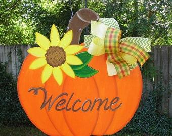 Pumpkin Door Hanger, Sunflower Door Hanger, Fall Door Hanger, Pumpkin with Sunflower, Welcome Door Hanger, Thanksgiving