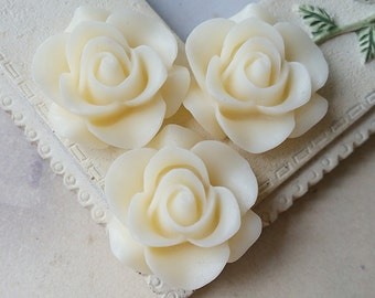 21 mm Ivory Colour Rose Resin Flower Cabochons (.ag)