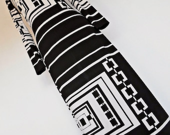 SALE :))) MONOCHROME CHAINS . S . Amazing Black White Op Art Print Maxi Dress Geometric Graphics