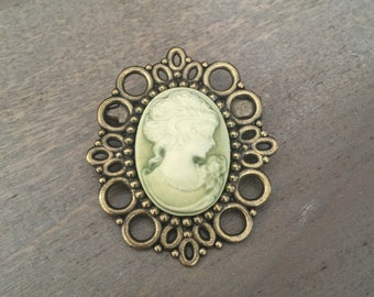 Cameo Brooch Pin Classic Green Ivory