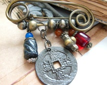 Retro Vintage Distressed Antiqued Gold Bead I Ching Coin Safety Pin Brooch TT6