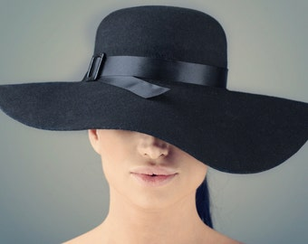 Black Felt Hat ,,Bardot""