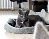 Cats sleeping place - cat bedding - cat bed - handmade felted cat bed - grey cat pets bed - made to order