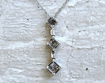 Lovely Vintage Three Stone Diamond Necklace in 10K White Gold- 0.54ct.