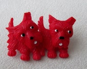 Pair of Scottie Dogs Pin Brooch with Articulated Heads Vintage Early Plastic 1930's-40's