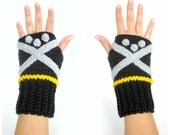 Kingdom Hearts Inspired Sora Themed Geeky Gauntlets. Wristwarmers. Super Gamer Series. Keyblade Fingerless Glove. Crochet Cosplay Accessory.