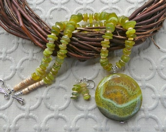 21 Inch Yellow and Olive Fire Agate Necklace with Earrings