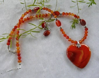 21 Inch Orange Agate Heart Pendant Necklace with Earrings