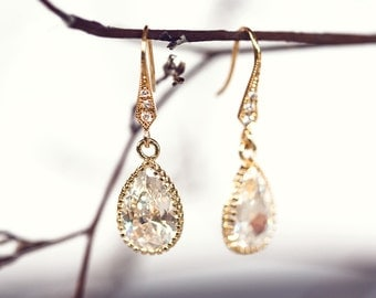 641_Tear drop earrings, Dangle earrings, Cristmas gift, Mom and Sister gift, Drop earrings, Gold earrings,Dangly earrings, Handmade earrings
