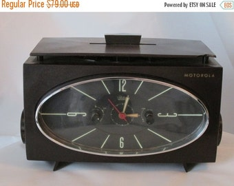 MOVING SALE Motorola Clock Radio 1955 Model 63C. Vintage Clock Radio Excellent Condition.