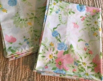 Vintage Pair of Flowered 1960's/1970's PillowCases