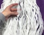 10 yd Recycled White Sari Silk Chiffon Ribbon Free Combined Shipping Gift Wrap Ribbon Fiber Art Knit Crochet Wedding Theater Costume Supply