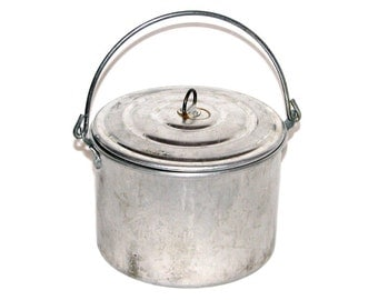 Vintage 70s 80s Small Aluminum Metal Camping Pot With Lid & Handle