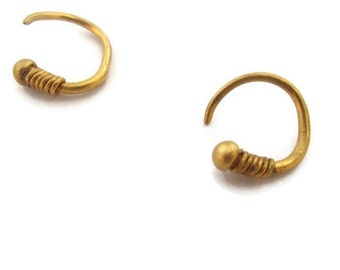 Single Mens Earring, 14K  Solid Gold Hoop Earring, Huggie Earring , Man  Earrings for Guys ,   Artisan Handmade by Sheri Beryl