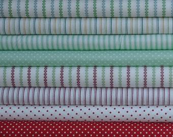 Christmas 8 fat quarter bundle patchwork quilting by Makower (2 metres)