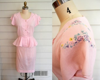 vintage 1970s or 1980s blouse and skirt set / Small to Medium pastel pink outfit with embroidered flowers / pink suit with peplum ruffle