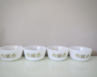Vintage set of Fire King small bowls