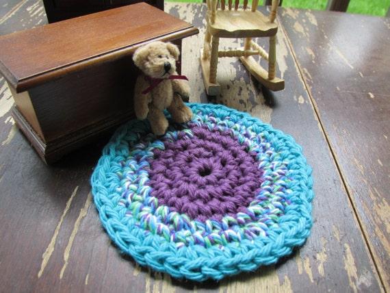 Crochet Star Wars R2d2 Free Pattern Amigurumi : Sweet Circles Mini Rug Doll House Rug Crocheted Round