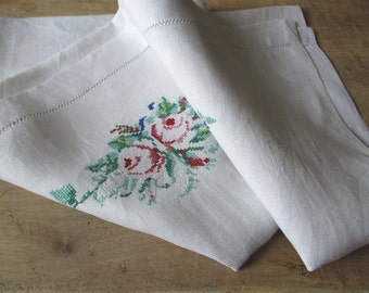 Antique french & embroidered linen towel, Handmade, Vintage embroidery, France, Torchon brodé lin, 1930