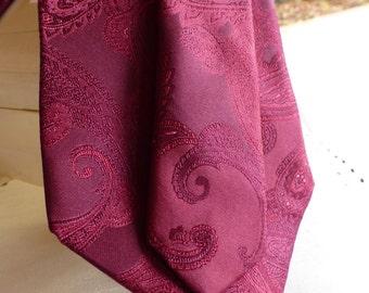 PRONTO-UOMO Designer 100% Silk Tie. Vintage Clasical Burgundy Tie