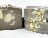 Oatmeal soap-Oatmeal Milk & Honey-wholesale soap-handmade soap-soap bar-soap gift-gift ideas-gifts for her-oatmeal-milk-cold process soap