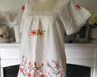 Vintage 70s Embroidered Cotton Boho Peasant Blouse