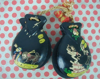 Vintage Castanets,  2 Pair of Castanets, Flamenco Dancing, Folklorico, Mexican Dancing, Fiesta, Percussion Instrument