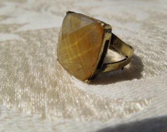 Vintage Costume Ring, Antiqued Brass Toned Shank, Size 6 and Flexible