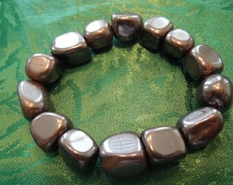 Vintage Stone Bracelet, Elasticated Hematite Stones.  Excellent Condition.