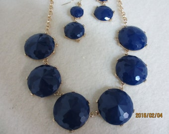 Dark blue necklace and earring set