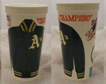 Lot of 4 - Vintage Oakland A's plastic cups - early '90's