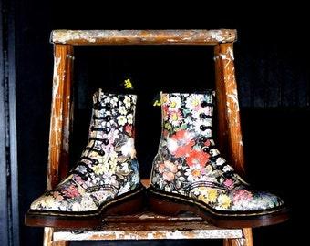 SALE Dr Martens Vintage Boots Floral 8 Eye Flower Docs  UK 2 US 4 Leather DMs Vintage Doc Martens Sienna Miller Punk Grunge Shoes Made in En