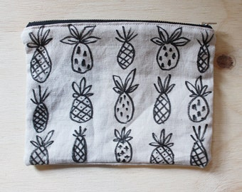 Hand-Painted Linen Purse - Pineapples
