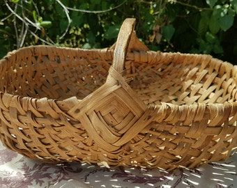 Exquisite Petit Antique French Handcrafted Rustic Willow / Reed Gathering Basket-Beautiful Basket for Flowers,Legumes,Fruits etc